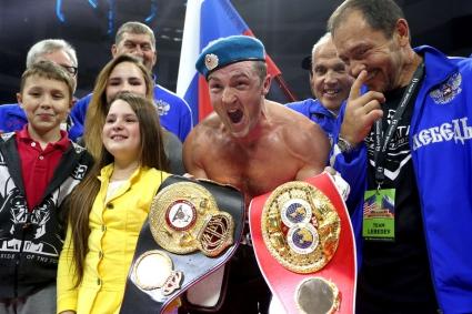 Денис Лебедев объединил титулы чемпиона мира по версиям WBA и IBF